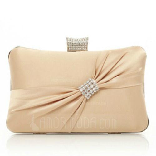 Beispiel: Handtasche, Foto: AmorModa.