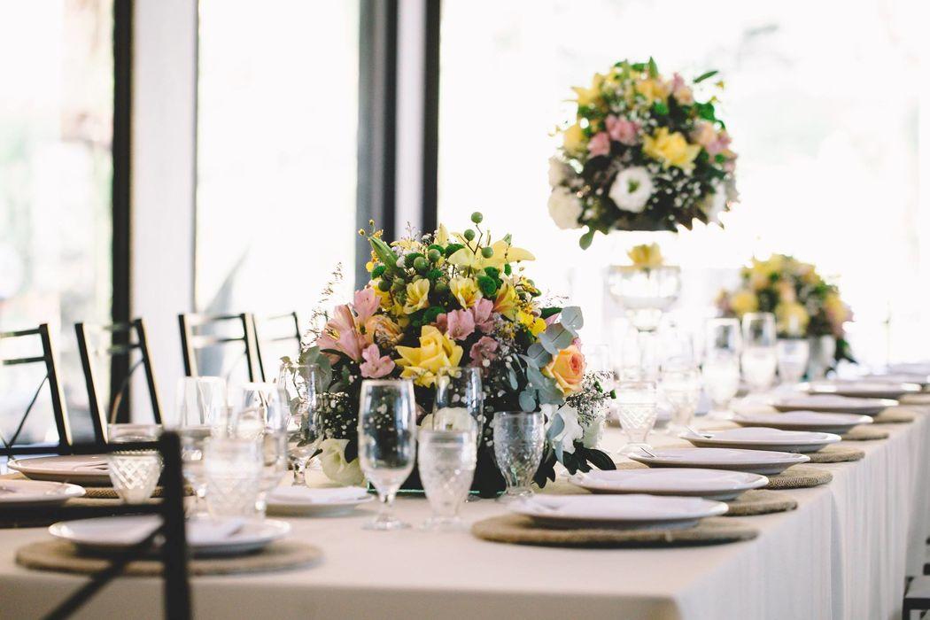 Mesa dos noivos e família