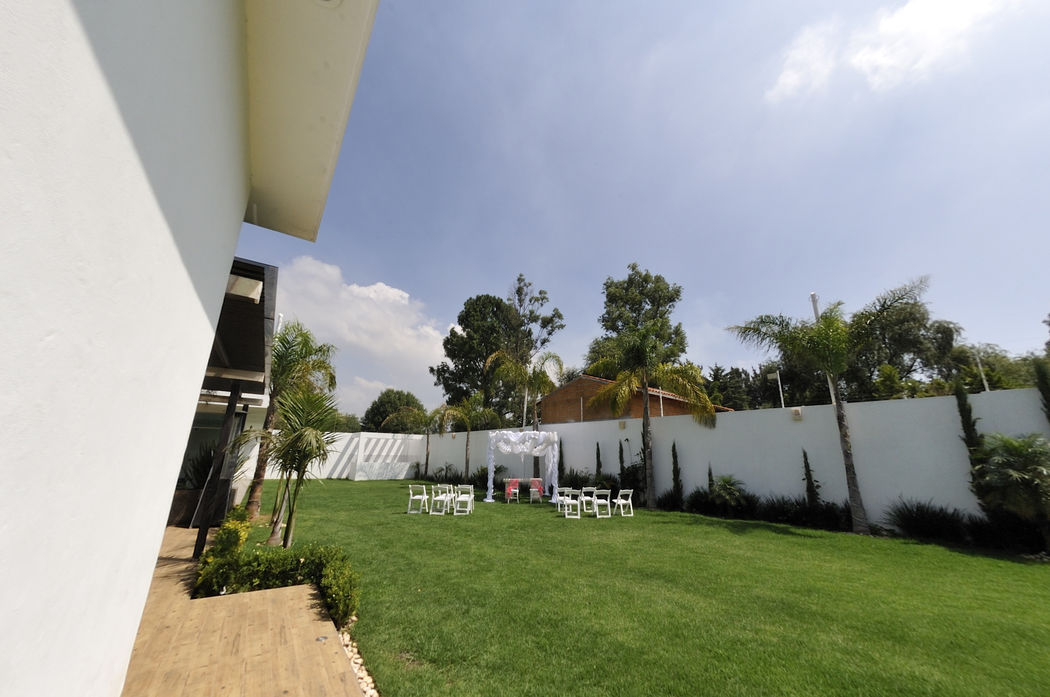 Invito Terraza Jardín