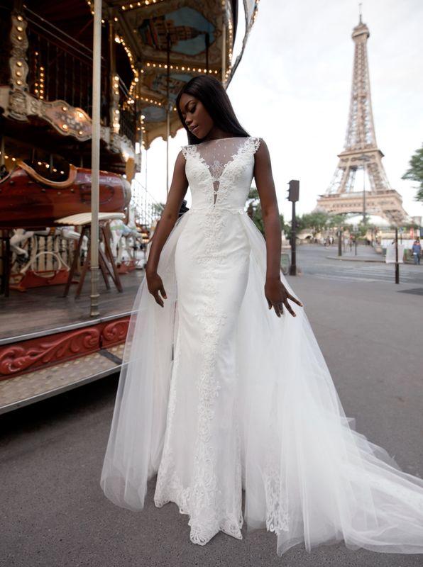 Touchstone,Veronika Jeanvie Paris #robedemariée #robemariée #robes #mariée  #modenuptiale #mariage #robeprincesse #robemariage #princesse #exclusive #bride #weddingdress #weddingstyle #wedding #frenchwedding #frenchstyle #weddinginfrance #bridalblog #concept #spindle #b0cd7 #blue #gris #blancbleu #blue #gray #behappy #inspiration #mood #bridalideas #outdoorwedding #bridalgown #france #madeinfrance #vianneyphotographie #créationfrançaise #veronikajeanvieparis