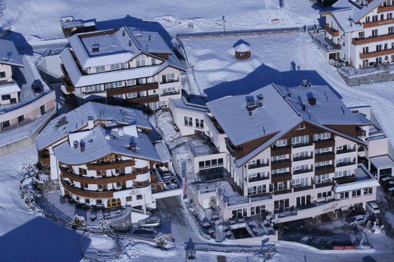Beispiel: Hotel von oben, Foto: Alpen-Herz.