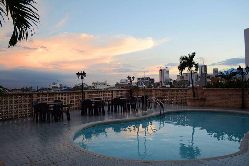 Hotel Calima Real