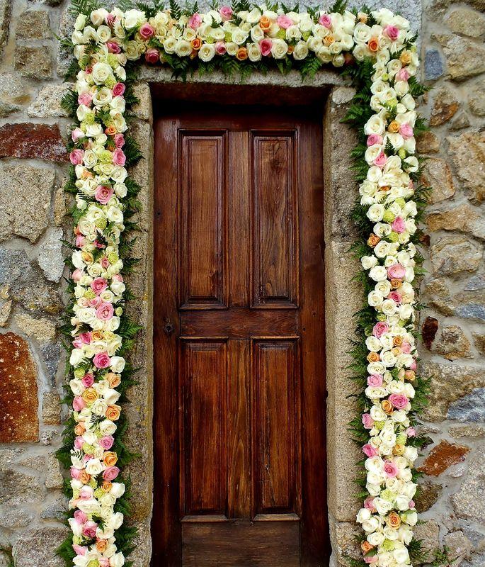 O amor é a chave para abrir a porta da felicidade. Decoration and wedding planner project
