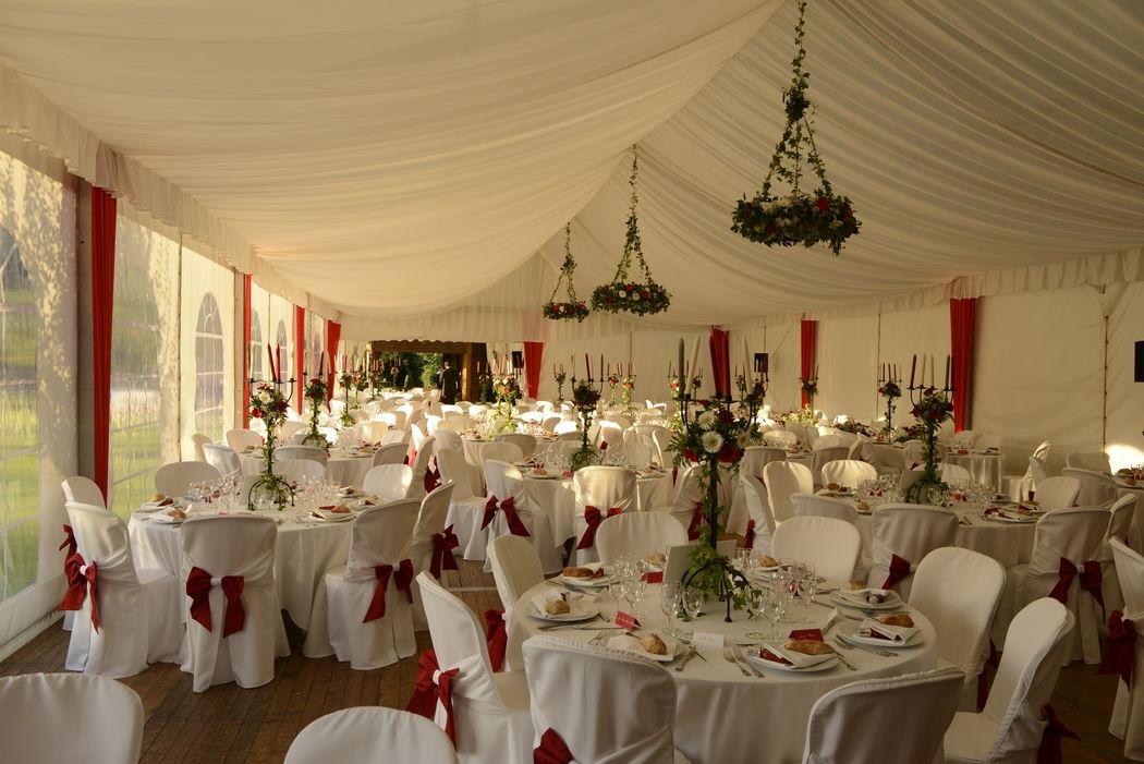 décoration florale sous tente