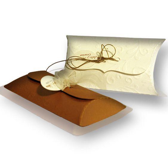 Caja Almohada con almendras confitadas