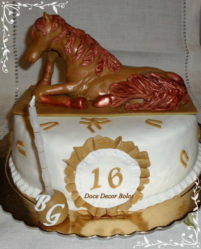 Cavalo modelado em Pasta de Açucar.