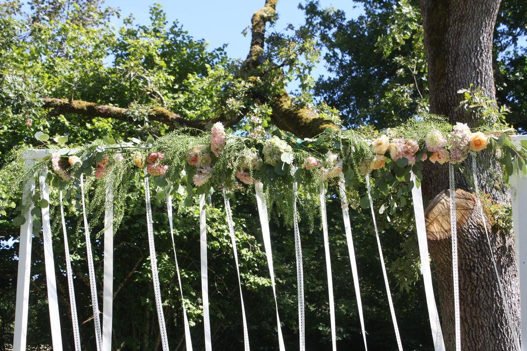 Arche cérémonie laïque - Fleurs Catherine Meyjonade