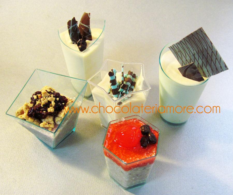 mousses de chocolate blanco o negro y frutas