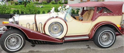 Beispiel: Vermittlung eines Brautautos-Mietservices, Foto: First Class Wedding.