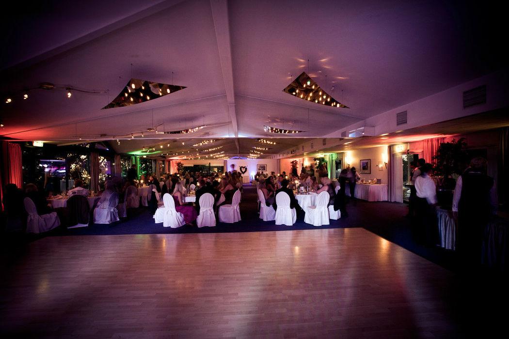 Beispiel: Großer Saal - Tanzfläche, Foto: Fährhaus Farge.