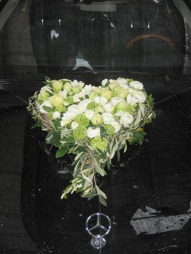 Beispiel: Blumen fürs Auto, Foto: Krätzer Blumen.