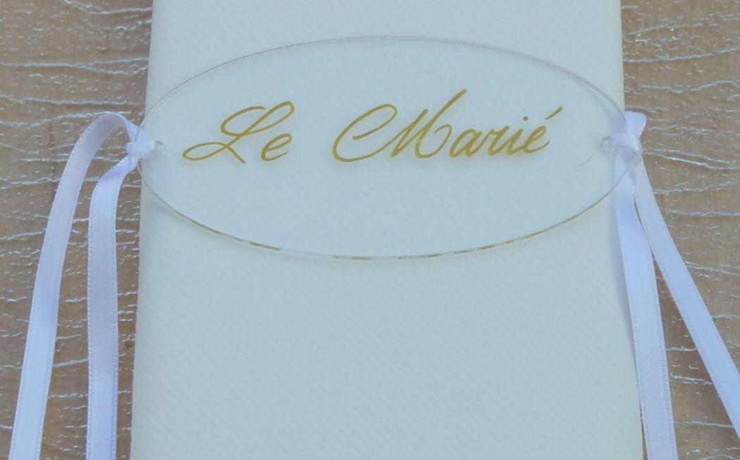 Marque-place Plexiglas calligraphié doré 10cm/5cm