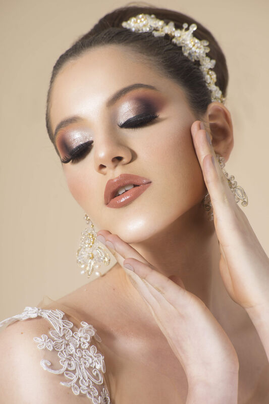 Antonio Cailloma Makeup & Hair