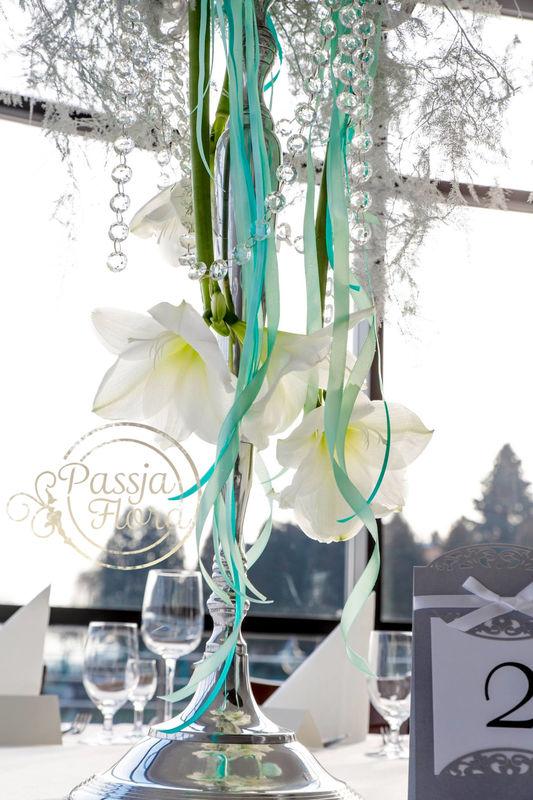 Zimowa dekoracja stołów gości