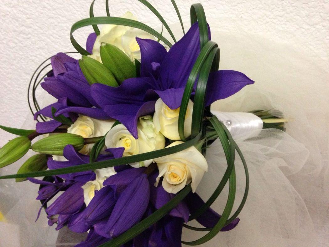Ramo de novia lilis y rosas