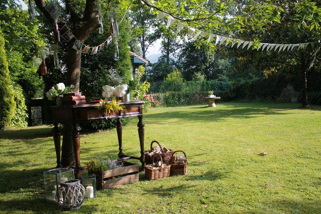 Hotel Casona el Arral. Un rincón dentro del jardín.