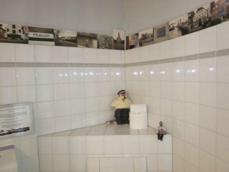 Beispiel: Badezimmer, Foto: Möhls Gasthof.