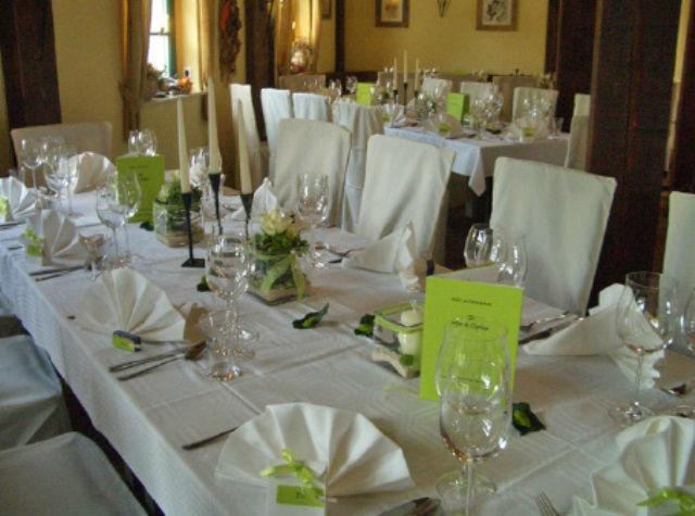 Beispiel: Tafel - Tischdekoration, Foto: Kräutermühlenhof Burg.