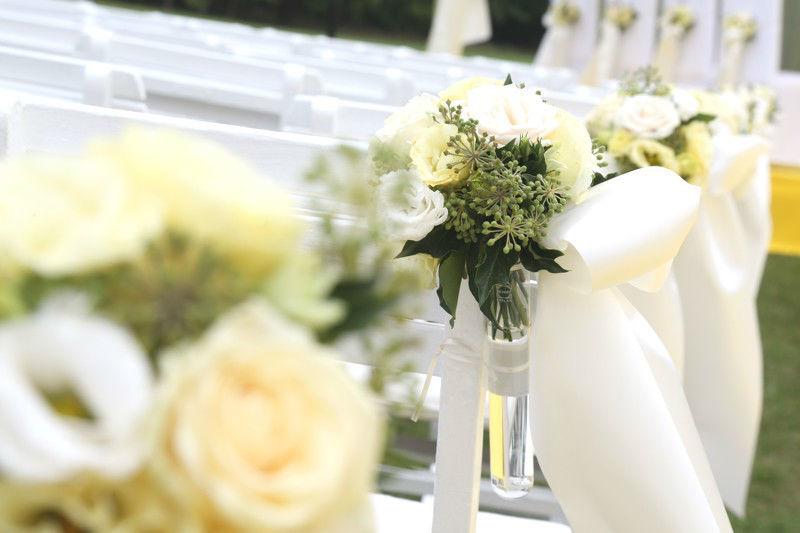 Beispiel: Blumendekoration, Foto: Perfekte Hochzeit.