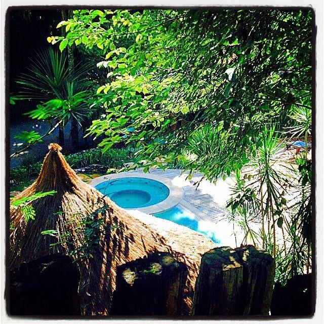 Vila SVila Solaris Pousada e Eventos - piscina climatizada com spa aquecido e sauna a vaporolaris Pousada e Eventos