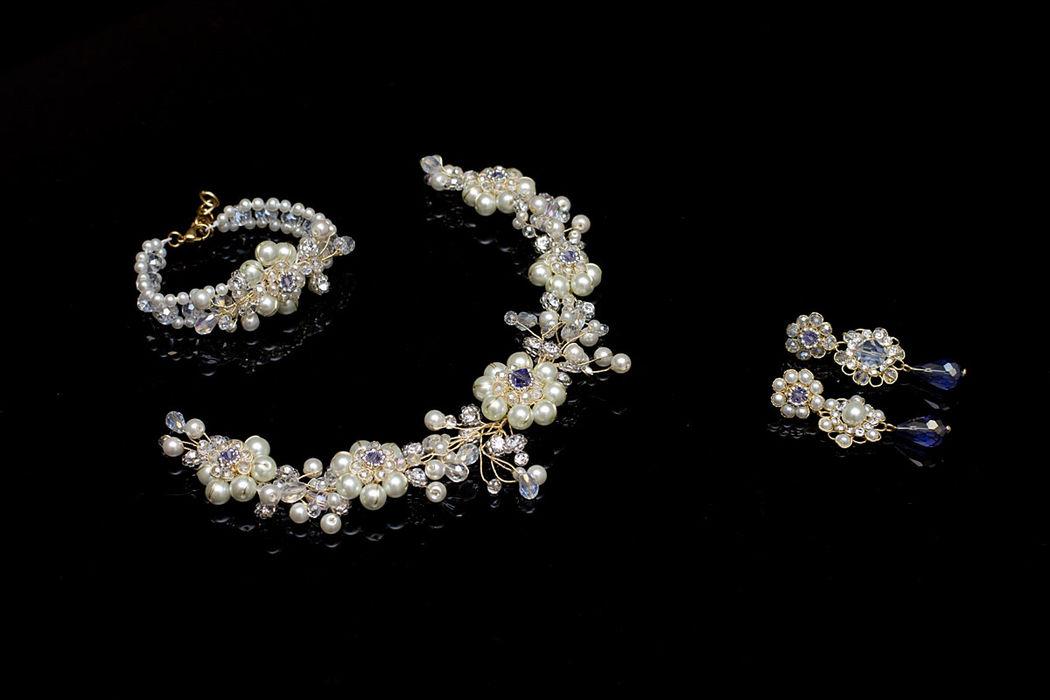 Set de tiara, pulsera y aretes Bouquet.