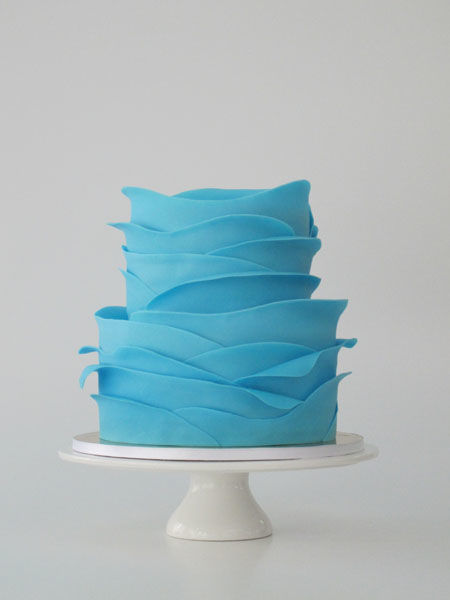 Beispiel: Hochzeitstorte Kollektion Seerose Aqua, Foto: Madame Miammiam.