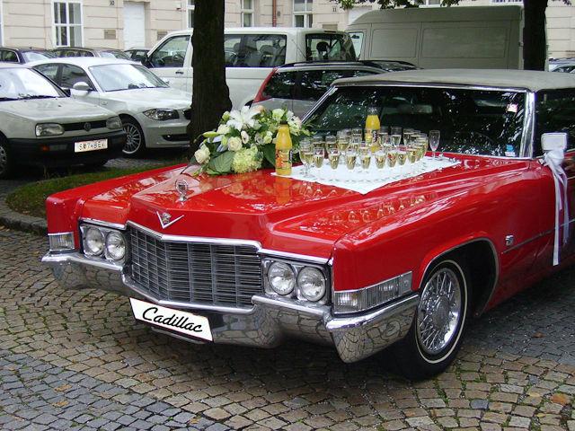 Beispiel: Sektfrühstück, Foto: FritzCar Oldtimer-Limousinenservice.