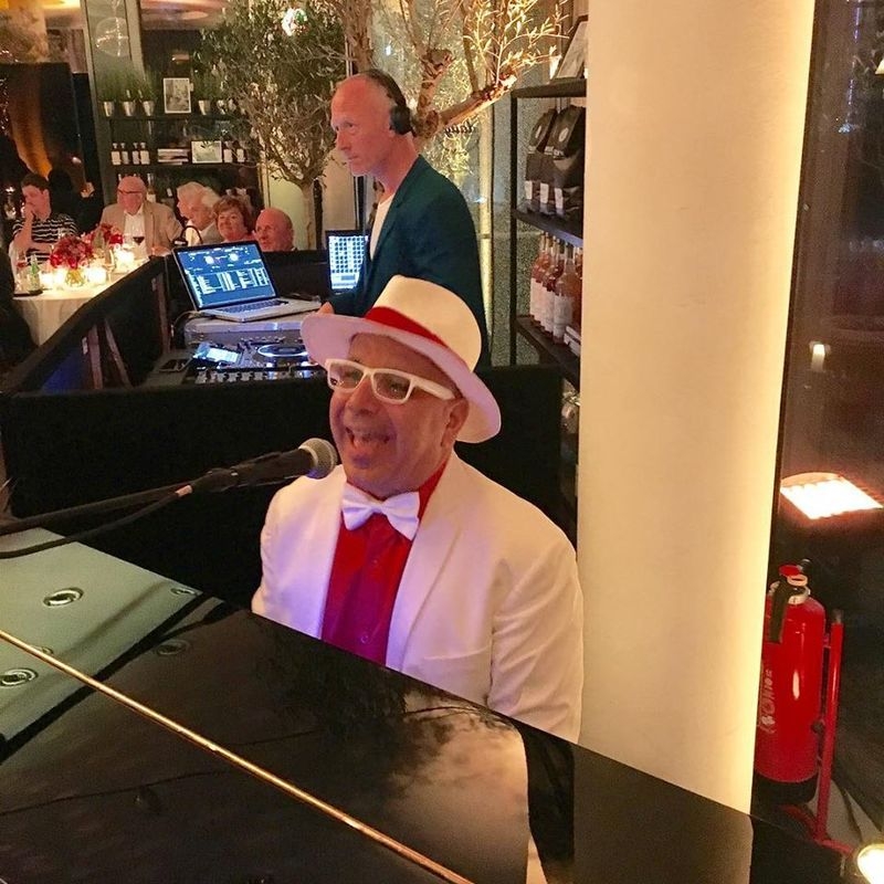 Carmelo Padellaro - Pianista Cantante