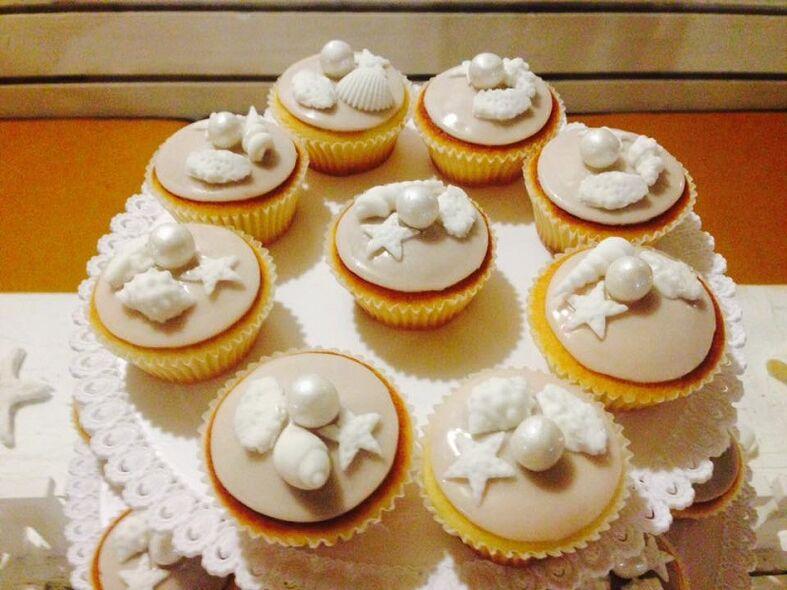 Cup cakes realizzati per un matrimonio al mare