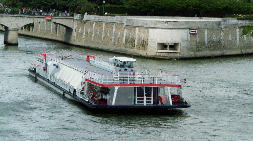 Bateaux Mouches, Le ZOUAVE