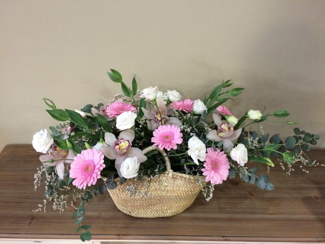 Capazo con flores