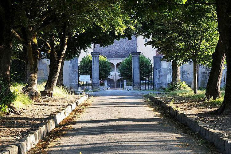 Le château de Varennes, accès principal