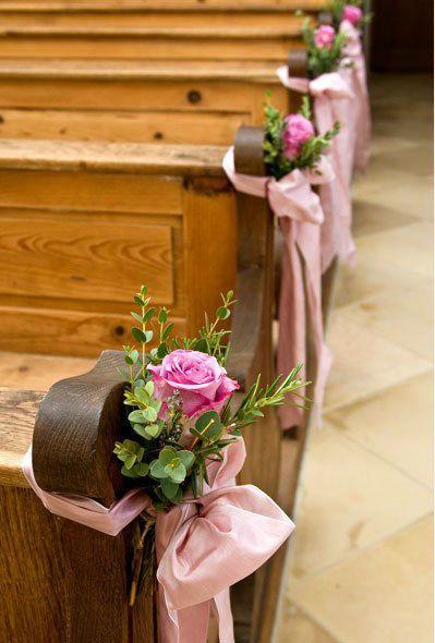 Beispiel: Schmücken Sie die Kirche mit Blumen, Foto: Einfach Blumen.