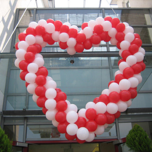 Beispiel: Ballons großes Herz, Foto: Ballonwerk.