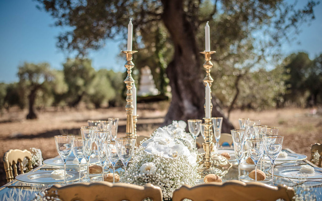 Allestimento romantico e wedding cake floreale