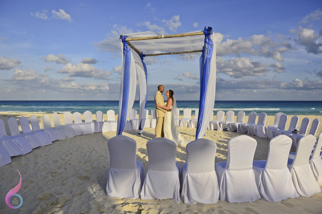 The Ocean Photo Weddings Cancun Fiesta AmericanaWedding Occidental at Xcaret Destination Riviera Maya photographer