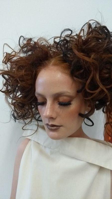 Grazi Almeida Makeup