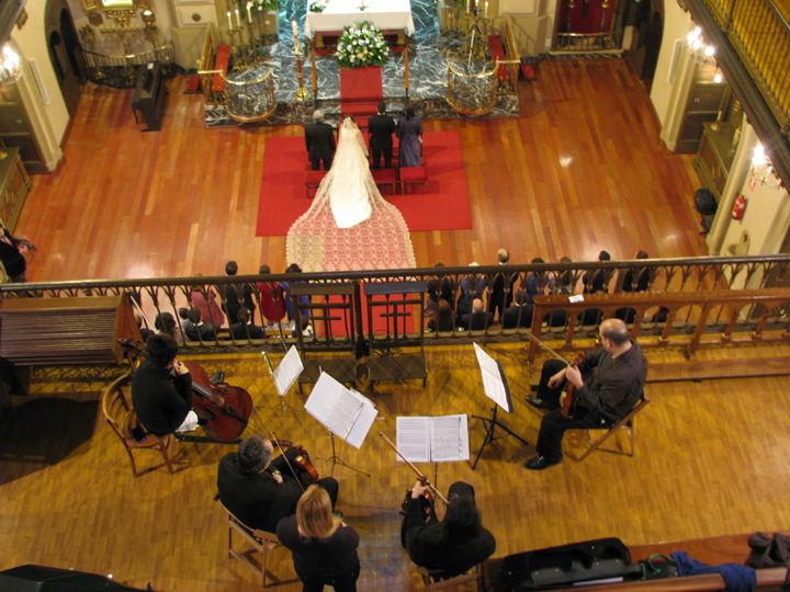 Misericordia de Bilbao, pequeña capilla con una acústica muy buena que hará resaltar la calidad y elegancia de cualquier instrumento de cuerda.