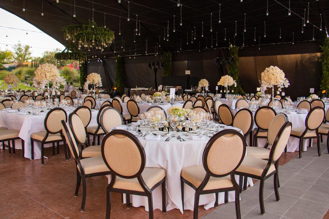 Realizamos toda la decoración de tu boda