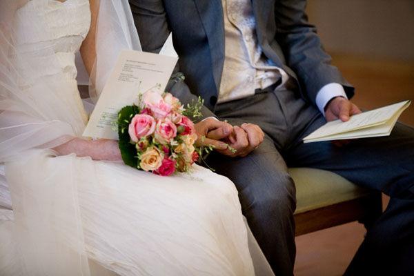 Beispiel: Brautpaar Trauung, Foto: Friederike Fiebelkorn.