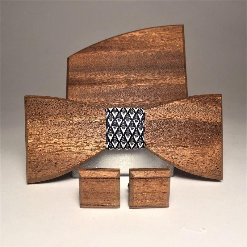 Drewniana muszka, spinki do mankietów i poszetka MARACHIC. Drewniany komplet MALAGA BAT