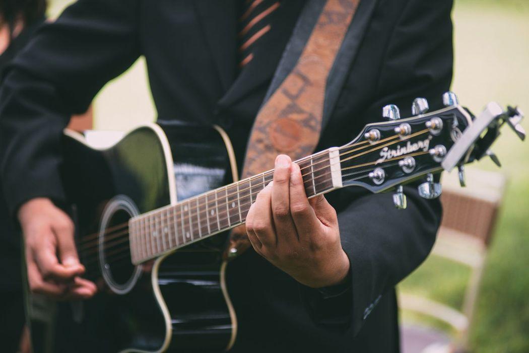 Julio Oliveira - Voz e violão Casamento em Londrina/PR