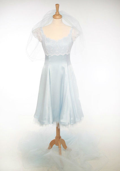 Beispiel: Kundenmodelle - Hochzeitskleid, Foto: Bella Donna Mode.