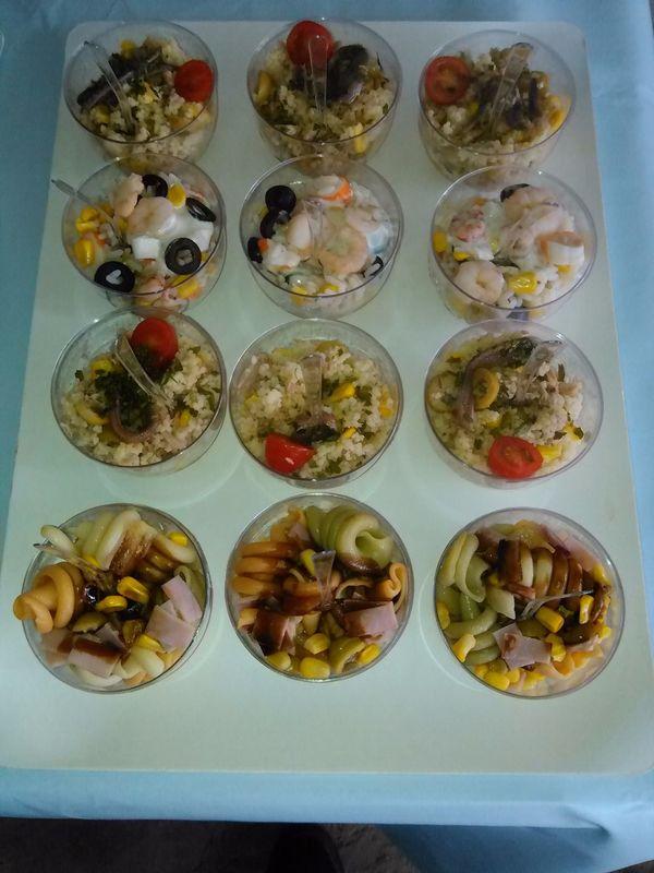 Mini ensaladas individuales surtidas