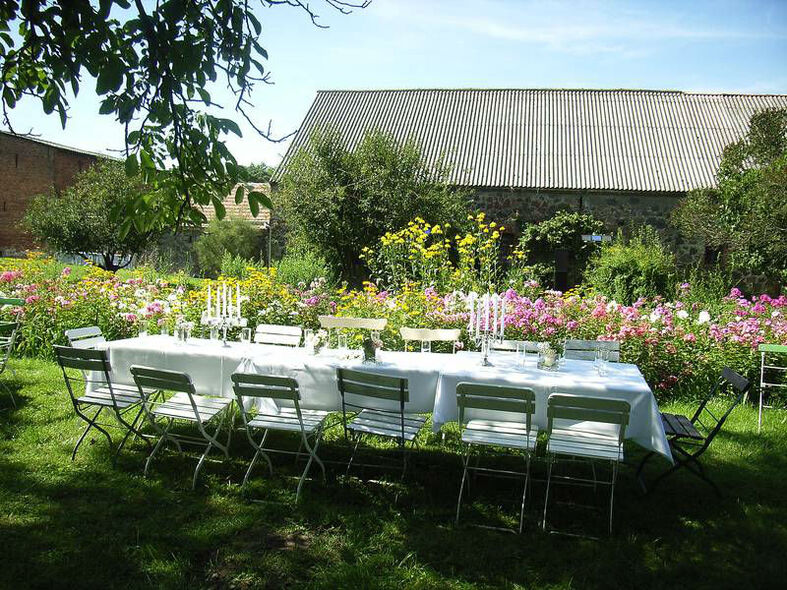 Beispiel: Organisation Ihrer Hochzeitslocation, Foto: Königskraut Catering.