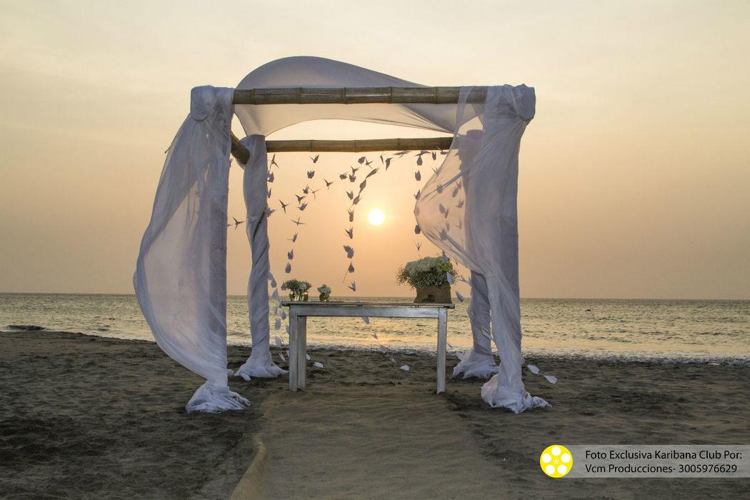 la maravilla de una playa semi privada, con un atardecer de ensueño para decir