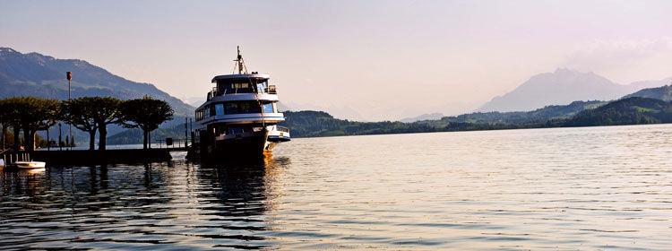 Beispiel: Anlegestelle, Foto: Zugersee Schifffahrt.