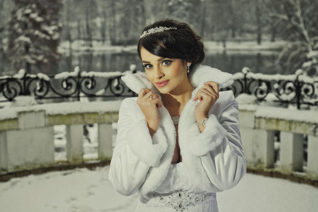 Zdjęcia ślubne podczas zimy w Hotel Bursztynowy Pałac