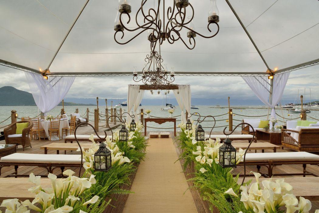 Localizado perto do centro e de inúmeras pousadas, os convidados vão a pé para o seu casamento.