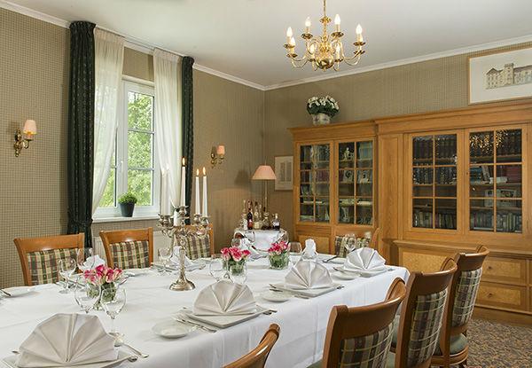 Beispiel: Bibliothek, Foto: Romantik Hotel Dorotheenhof.